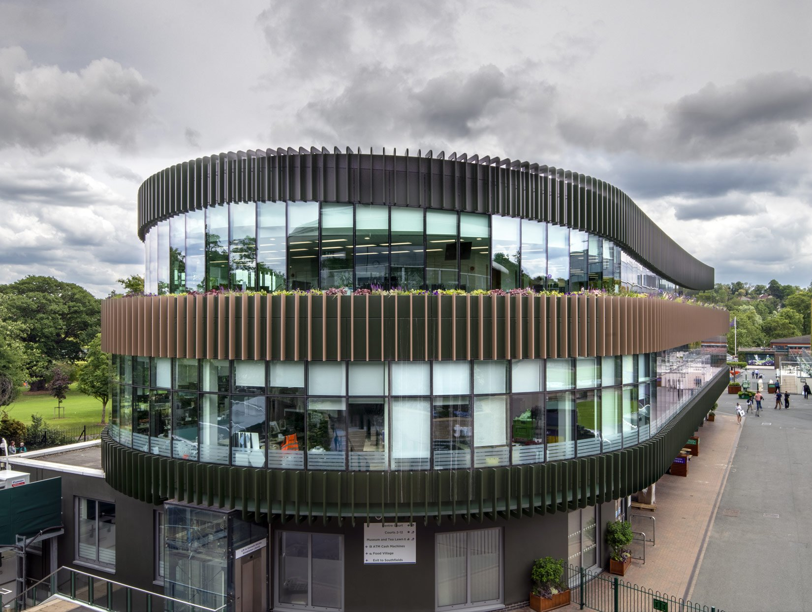 The Museum Building, AELTC, Wimbledon, office floors : Photograph by Tony MacLean, Image Works (London) Ltd
