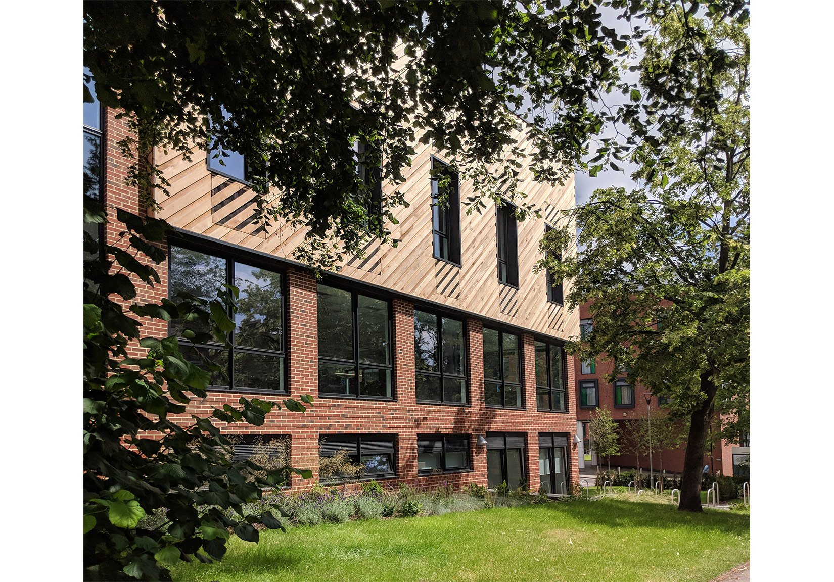 Newlyn Building, University of Leeds, Landscaping