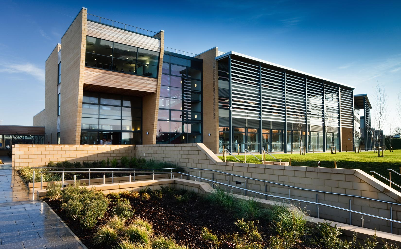 Blackpool Sixth Form College, approach