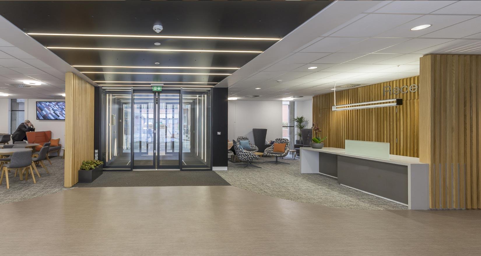 Worsley Building, University of Leeds, Reception