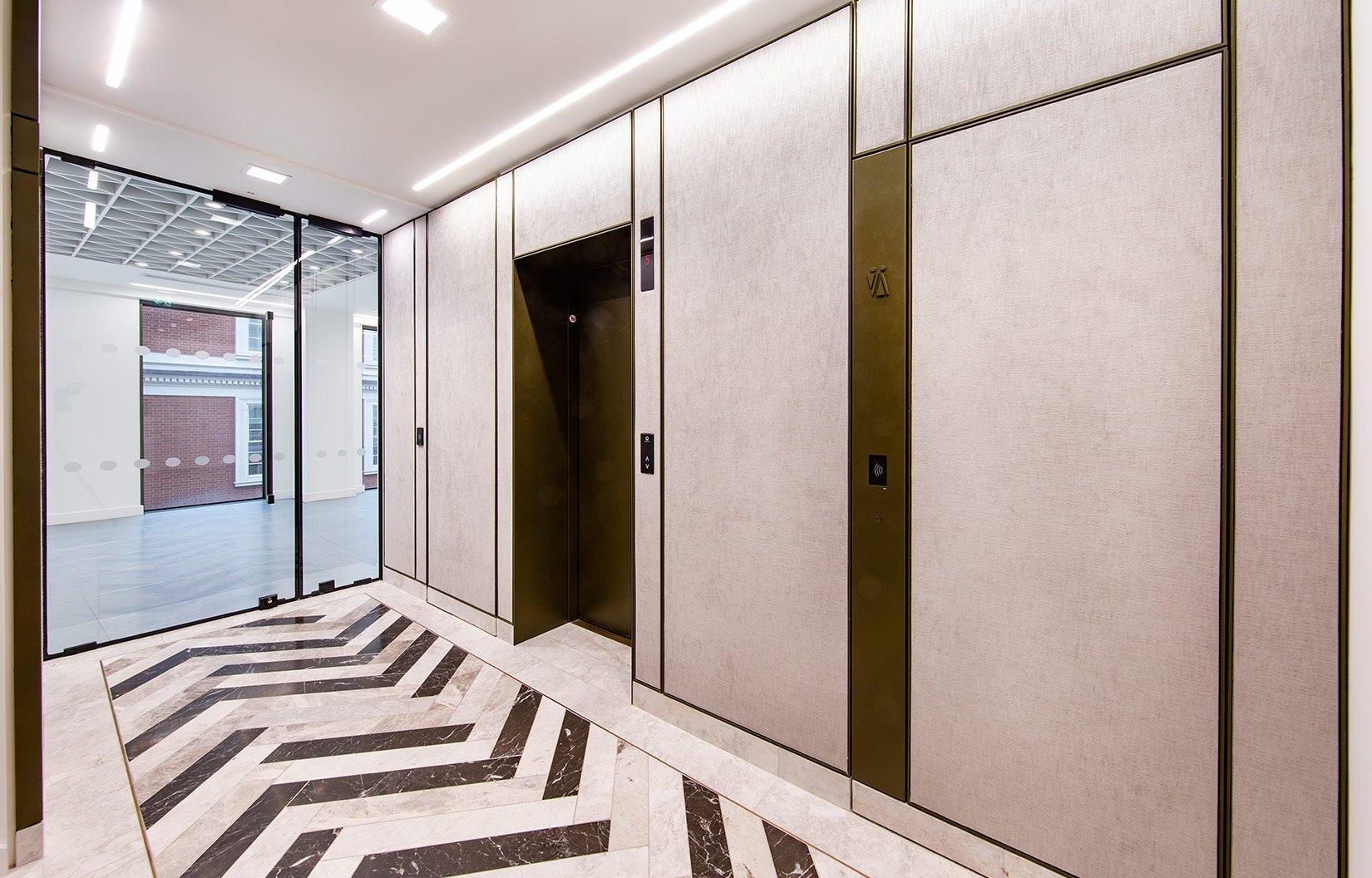 Nash House, Mayfair, London, Lift lobby area