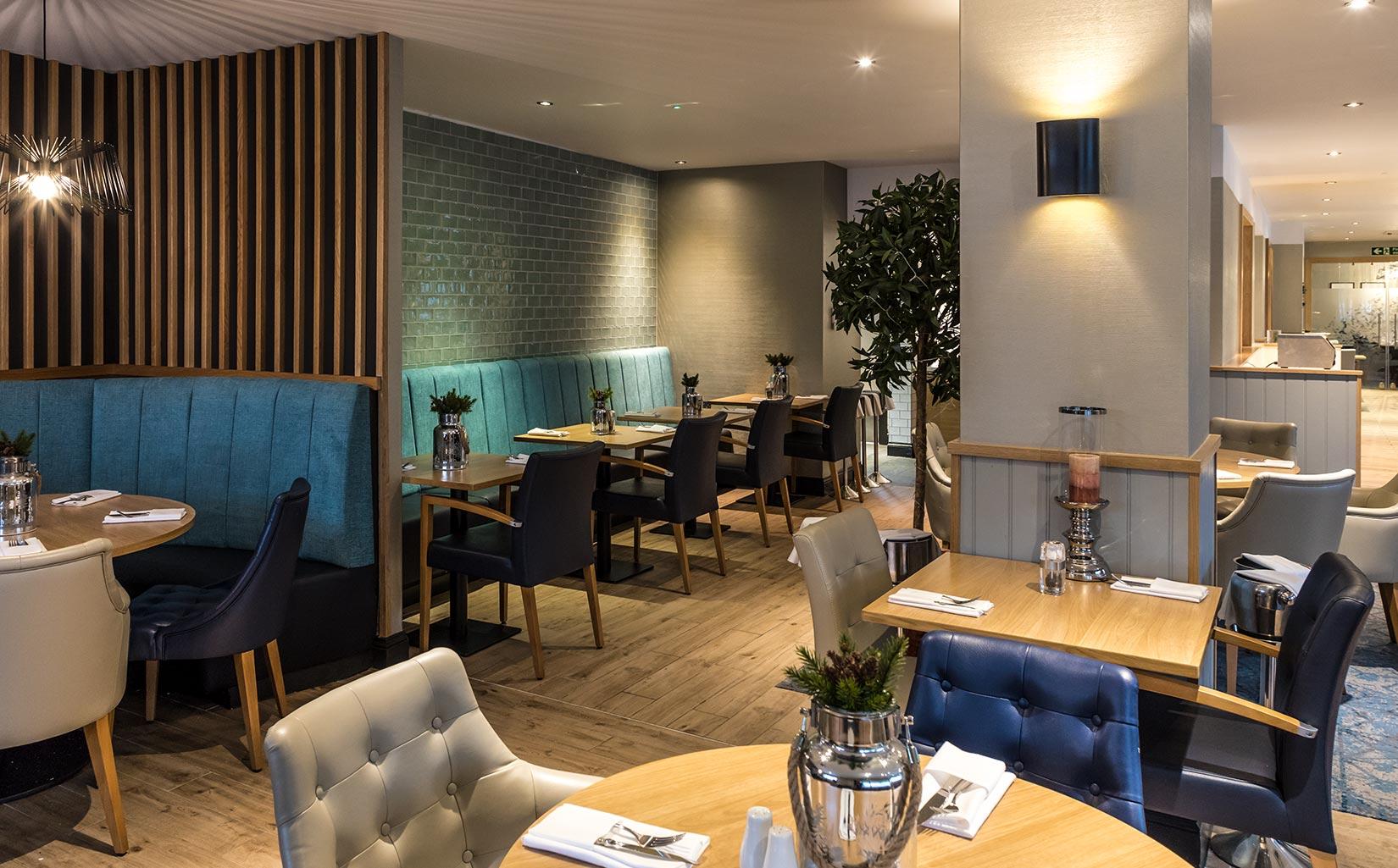 Felbridge Crowne Plaza, East Grinstead, Restaurant