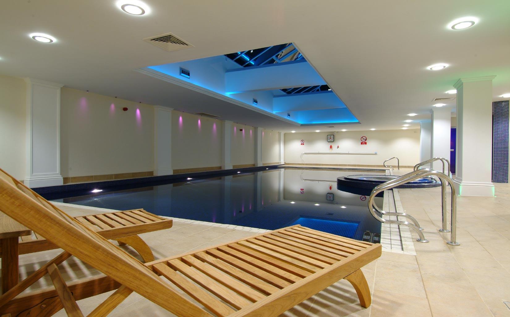 Savill Court, Windsor, Swimming Pool