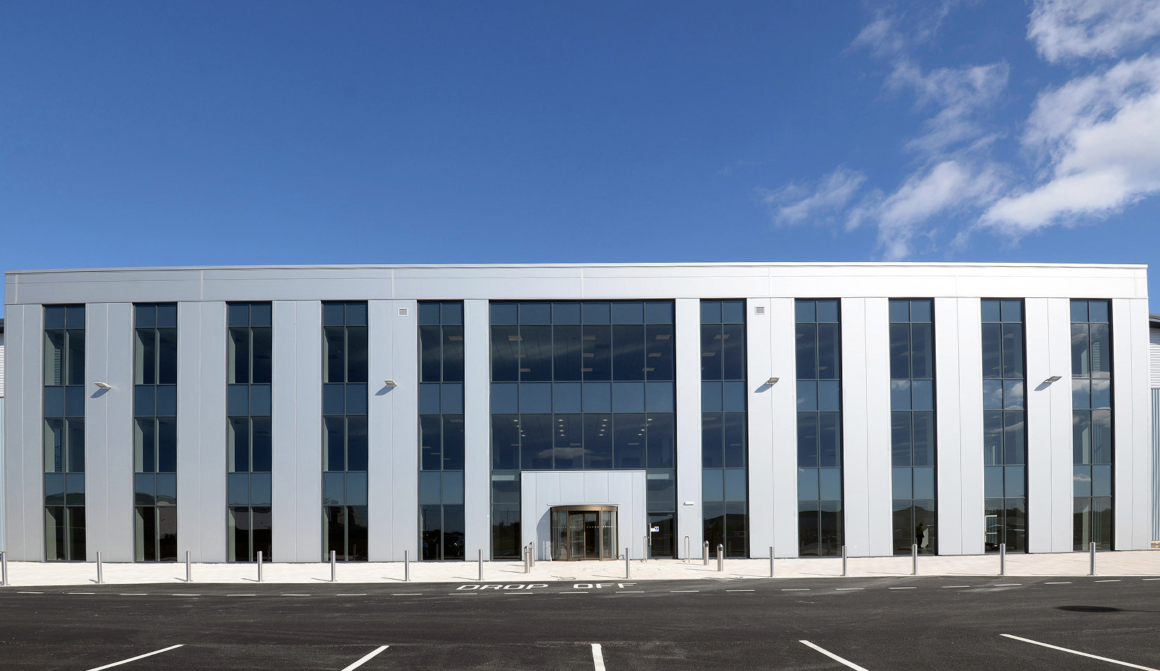 Tritax Symmetry , Goole 36, completed entrance