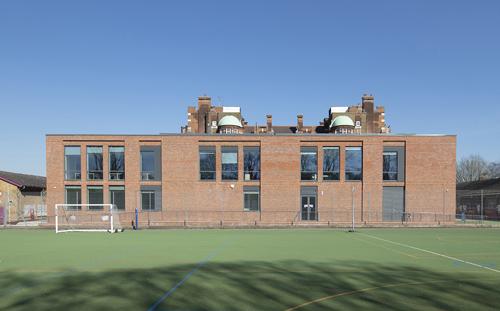 Fulham College Girls School, Exterior
